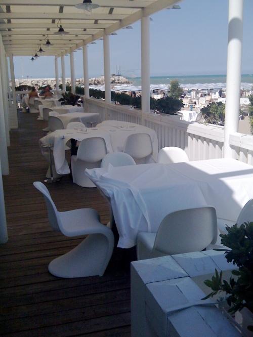 La meravigliosa terrazza sul mare