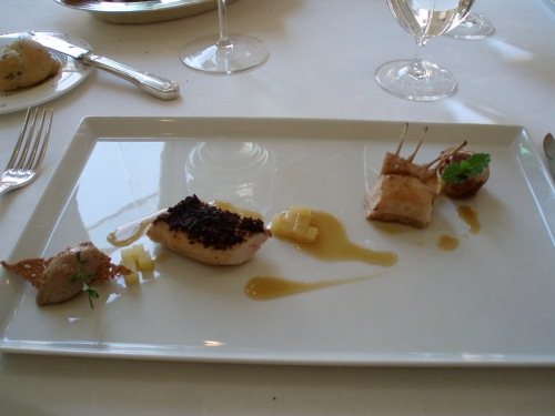 """Coniglio grigio di Carmagnola, rognoncino in porchetta e patate""""fondenti"""""""