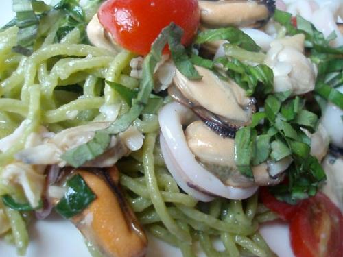 18 - Tagliolini al basilico con frutti di mare